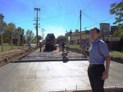 """""""Es una satisfacción poder comenzar con el plan de pavimentación de Lezama"""""""