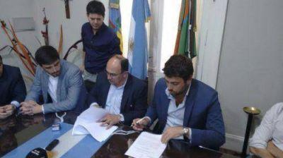 Salomón firmó dos convenios con el Ministerio del Interior