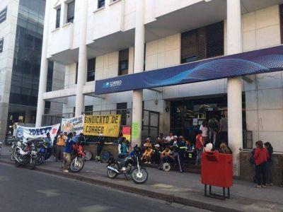 Movilización de trabajadores en el Correo Argentino