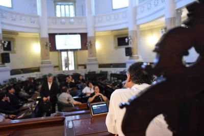 Presupuesto 2017 tendrá dilatado tratamiento en la Cámara baja