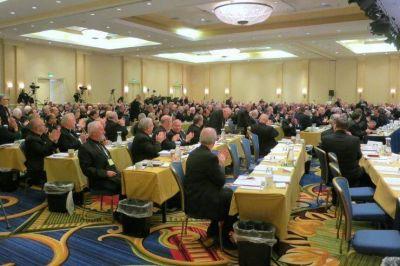 Los obispos en Baltimore: 'sanar las heridas tras una campaña muy polarizada'