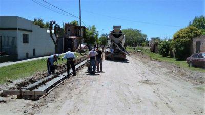 Comenzó la obra de cordón cuneta en el barrio Integración