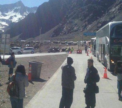 Se intensifica la medida de fuerza de trabajadores chilenos y se registran importantes demoras en las aduanas