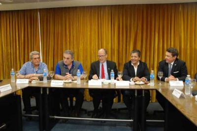 La CGT se reunió en la UOCRA con funcionarios estadounidenses