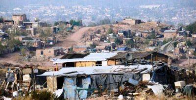 Casi 10 mil familias viven en asentamientos en Neuquén