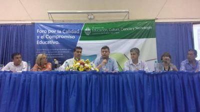 El gobernador encabezó el Foro Educativo de Participación Ciudadana en Resistencia