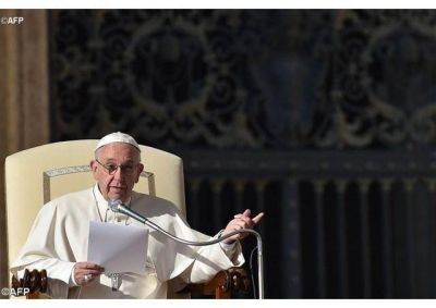 Papa: Ser pacientes para soportar y humildes al aconsejar