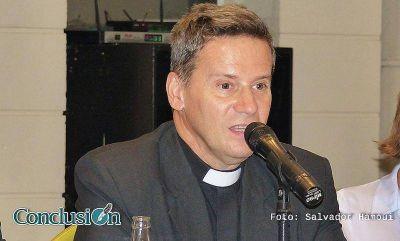 Cardarelli dijo que abrir los domingos no resuelve el problema de la recesión