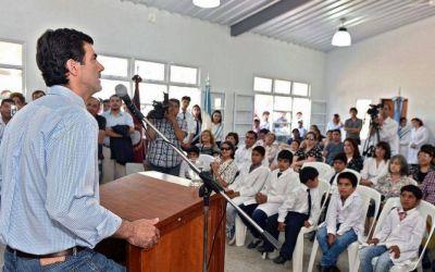 Urtubey inauguró el edificio de una escuela en El Quebrachal