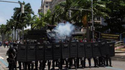 Violentos enfrentamientos en una protesta contra el ajuste en Río de Janeiro