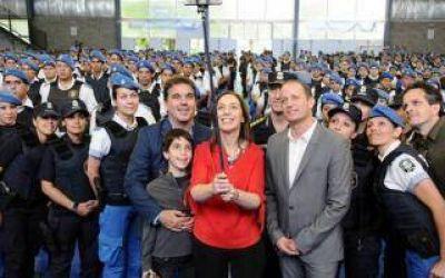 Vidal entregó chalecos antibala femeninos a la Policía Bonaerense