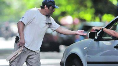 """El Municipio definirá qué """"Cuidacoches"""" podrán trabajar en el verano"""
