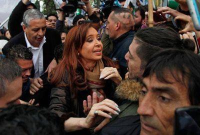 Cristina declaró en el Juzgado de Río Gallegos en medio de forcejeos y golpes