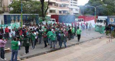 Camioneros protestaron en Tribunales en contra de una fiscal