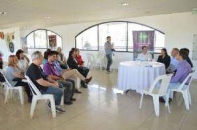 Provincia entregó subsidios para jubilados y distintas instituciones del Valle de Punilla