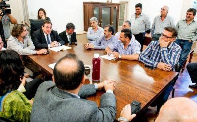 Municipios: Provincia entregó más de 50 adelantos de coparticipación