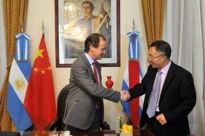 El gobierno afianza sus lazos comerciales con China
