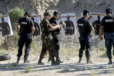 Hace un año que la policía bonaerense no se entrena ni se capacita