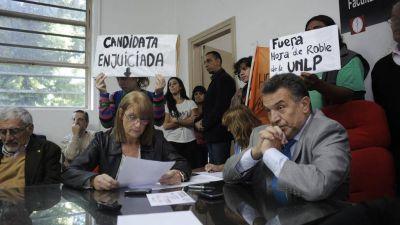 """""""Sin anestesia"""": inician denuncias penales contra autoridades de Medicina"""