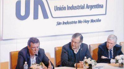 La UIA recibe al Gobierno preocupada por la caída de la actividad y el empleo