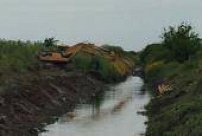 La Plata: Realizan obras hidráulicas en Villa Castells