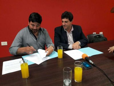 Gobierno acordó con municipio de Famatina provisión de forrajes