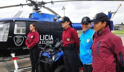 Ciudad: Policías con celulares sin redes sociales