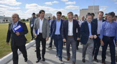 Frigerio busca contener a los intendentes peronistas con obras de saneamiento