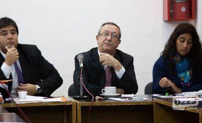 """Acusan al rector de la Unmdp de querer prorrogar su mandato """"sin respetar el estatuto"""""""