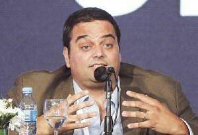 La CGT recibió al ministro Triaca en la sede de la Uocra y repasaron reiterada agenda