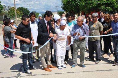 Se pavimentó la calle que une los barrios San Cayetano y Villa Viveros