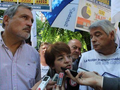 Faltazo masivo de funcionarios: Docentes bonaerenses pidieron la reapertura de paritarias
