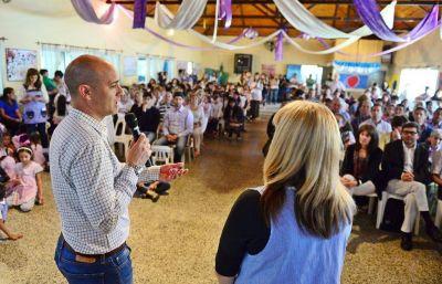 Internet, un grupo electrógeno y una TV para festejar los 50 años del Jardín N°905 de Islas