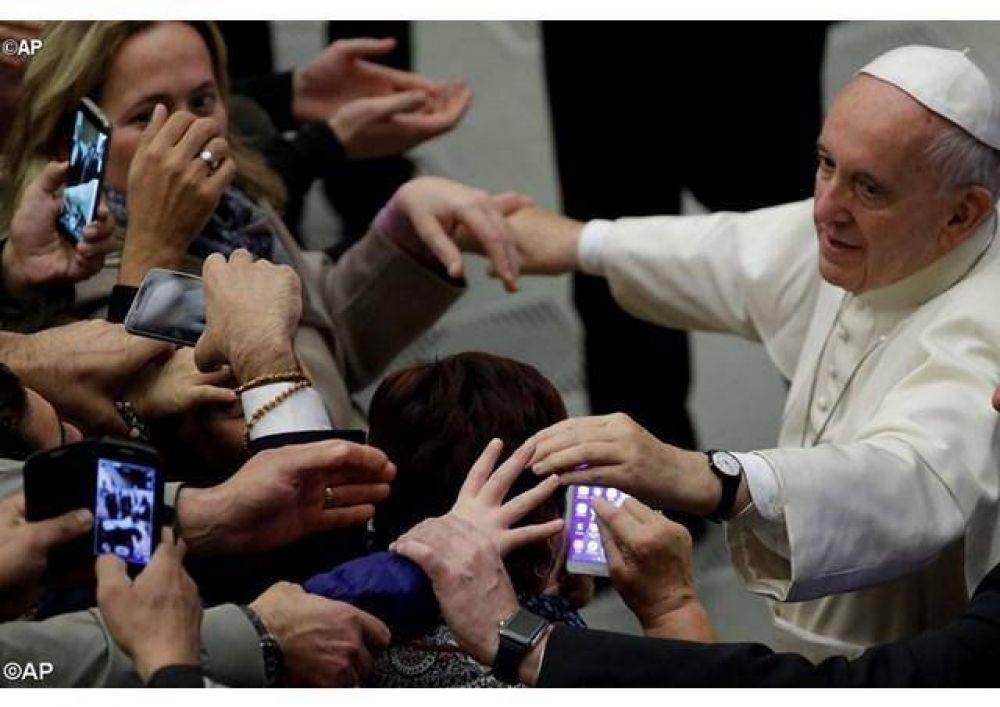 Papa: con fe y caridad, testimoniar en el mundo la misericordia de Dios vivida en el Año Santo