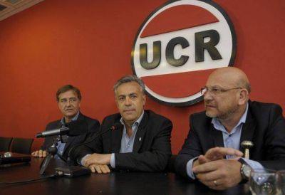 Soto bajó su precandidatura en Santa Rosa a pedido de Alfredo Cornejo