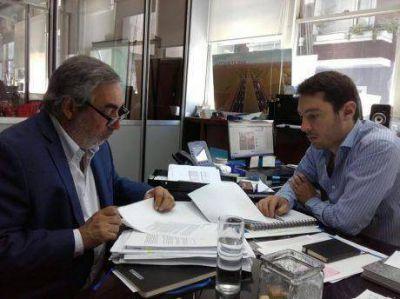 El intendente de Trenque Lauquen firmó convenios con Vialidad por obras en Rutas 5 y 33