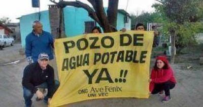 Alumnos de una escuela juntan firmas para que se instale un pozo de agua en Taco Rodeo