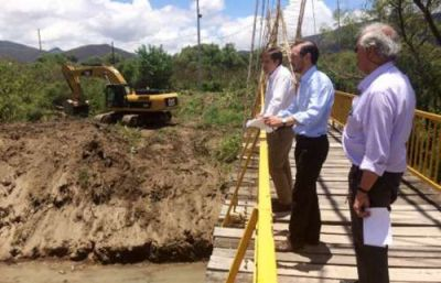 Inició la obra de encauzamiento y limpieza del río Arenales