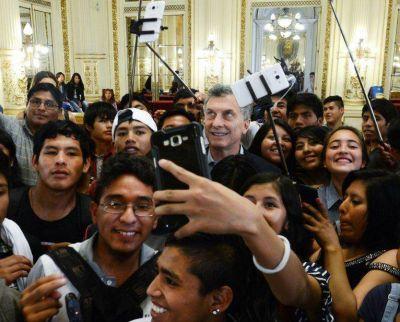 Macri recibió a estudiantes jujeños en la