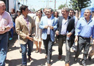 El intendente Alfaro junto a Cano: