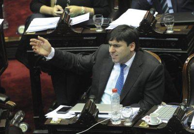 """Bossio: """"Llevaría la capital de la provincia a Mar del Plata"""""""