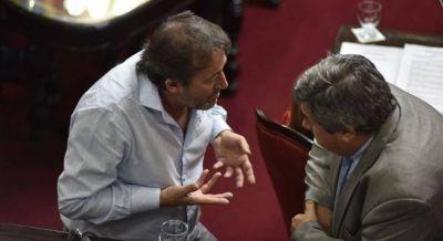 Vidal enfrentó a Sturzenegger y ordenó que los estatales sólo cobren por el Bapro