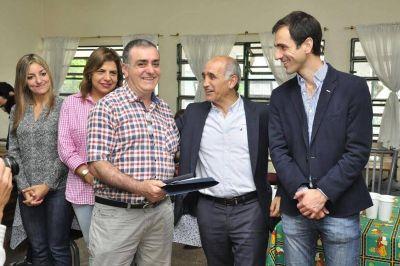 Petrecca y el Vicegobernador entregaron subsidios a entidades intermedias