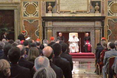 Francisco entrega el Premio Ratzinger: 'Expresamos también nuestro gran cariño hacia Benedicto XVI'