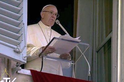 Francisco en el ángelus: 'Rezo por Centroamérica azotada por un huracán' – Texto completo