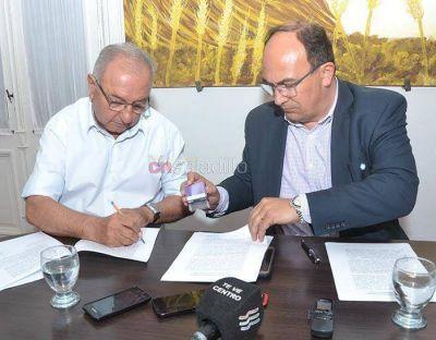 Fue firmado el contrato para comenzar con las obras en el barrio 96 Viviendas