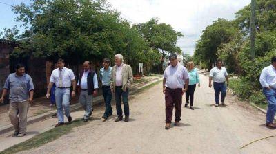 Funcionario del Plan Belgrano, en el barrio Diógenes Zapata