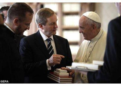 El Papa recibe al Primer Ministro de Irlanda