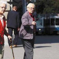 Unos 250 jubilados mayores de 80 firmaron convenio por reparación