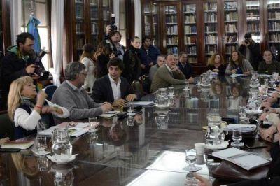 El gobierno retoma la iniciativa y convoca a estatales bonaerenses a negociación